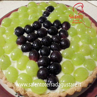 salento terra da gustare:crostata con uva fresca e crema